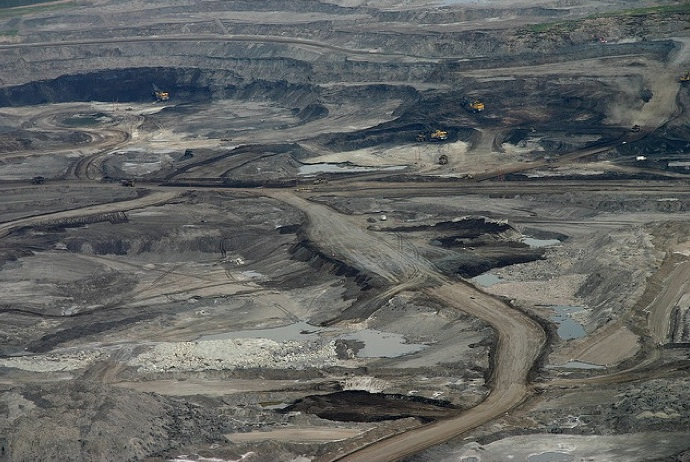 The Apocalyptic Landscapes of Alberta's Oil Sands